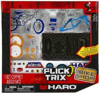 "Haro Bikes: Flick Trix ~4"" BMX Finger Bike Shop Set: Toys & Games"
