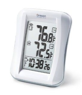 Oregon Scientific RMR682A Wireless Indoor/Outdoor Thermometer with Self Setting Atomic Clock
