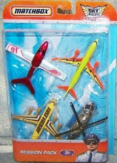 Matchbox Sky Busters Mission Pack   4 Aircraft  Cirrus Vision   Boeing 737 800   Fast Freight   Mission Chopper: Toys & Games