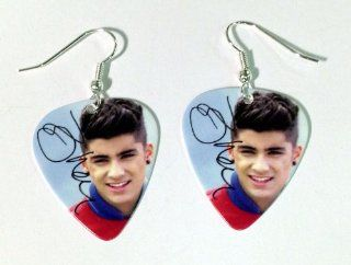 Zayn Malik One Direction 1D Guitar Pick Plectrum Playable Earrings Collection A: Musical Instruments
