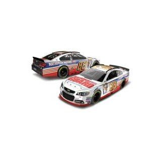 Dale Earnhardt Jr #88 National Guard 2014 Chevy SS NASCAR Diecast Car, 1:24 Scale HOTO: Toys & Games
