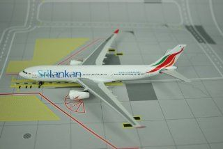 Phoenix SriLankan A330 200 Model Airplane: Everything Else