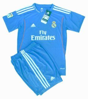Real Madrid Kids Away Soccer Jersey 2013/14 Shirt & Shorts Uniform (Kids 2 3 Years Old) : Football Uniforms : Sports & Outdoors