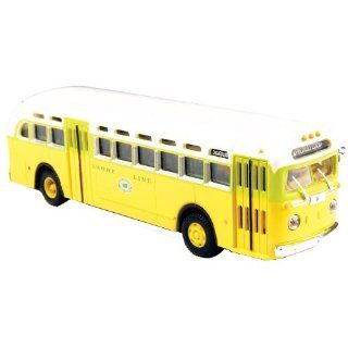 Classic Metal Works HO Scale GMC TD 3610 Transit Bus   National City Lines Destination Chicago Toys & Games