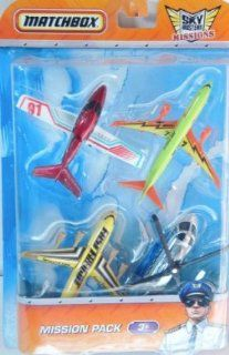 Matchbox Sky Busters Mission Pack with 4 Aircraft   Cirrus Vision   Boeing 737 800   Fast Freight   Mission Chopper: Toys & Games