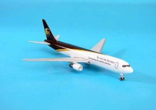 Gemini Jets UPS B767 300F Model Airplane: Toys & Games