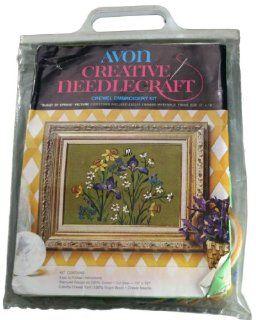 Avon Creative Needlecraft Crewel Embroidery Kit  Burst of Spring