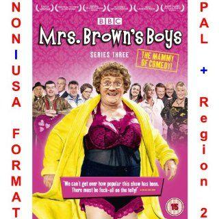 Mrs Brown's Boys   Complete Series 3 [NON U.S.A. FORMAT: PAL + REGION 2 + U.K. IMPORT] (Season 3) (Original British Version): NON U.S.A. FORMAT: PAL + Region 2 + U.K. Import, Brendan O'Carroll, Jennifer Gibney, Paddy Houlihan, Fiona O'Carroll,