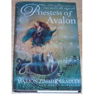 Priestess of Avalon (Avalon, Book 4) Marion Zimmer Bradley, Diana L. Paxson 9780670910236 Books