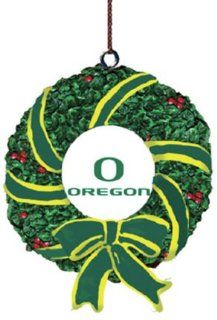 Oregon Ducks Memory Company Team Mascot & Wreath Christmas Tree Ornament NCAA College Athletics Fan Shop Sports Team Merchandise : Sports Related Merchandise : Sports & Outdoors