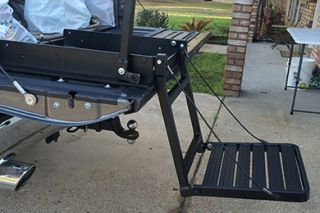 Great Day TNB2001B   300 lb. weight capacity Black Powder Coat For vehicles with tonneau covers   Tailgate Steps